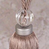 zuza-egy-bojtos-fuggonyelkoto-rozsaszin-61-cm-kozeli