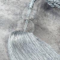 erin-egy-bojtos-fuggonyelkoto-ezust-71-cm-kozeli