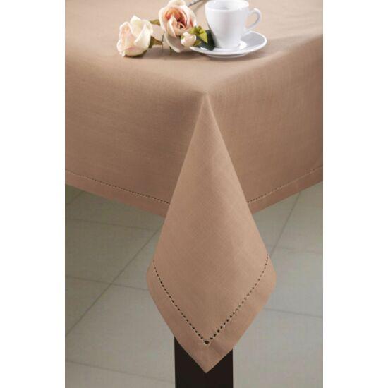 helen-azsurozott-kakao-30-x-45-cm-asztalon