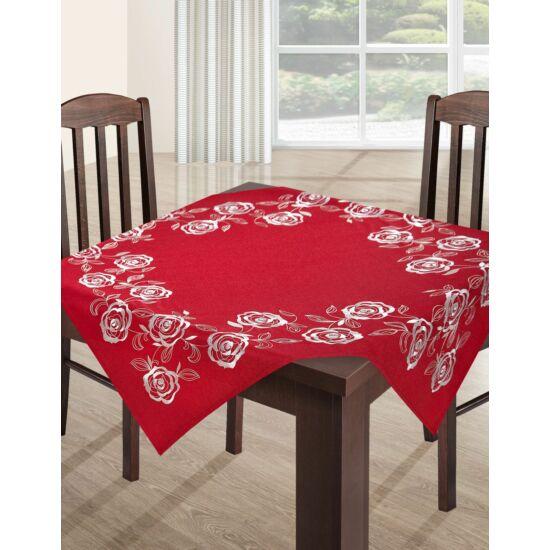 Ada hímzett asztalterítő