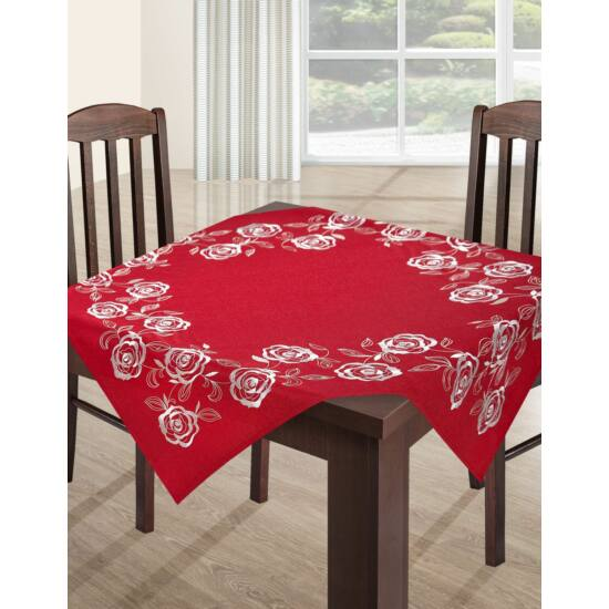ada-himzett-asztalterito-piros-85-x-85-cm-asztalon