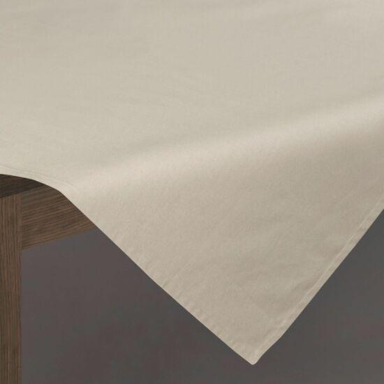 megan-asztalterito-bezs-85-x-85-cm-asztalon