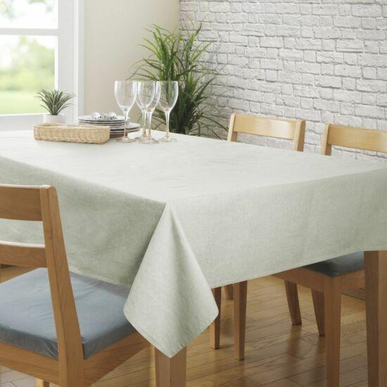 megan-asztalterito-kremszin-150-x-220-cm-asztalon