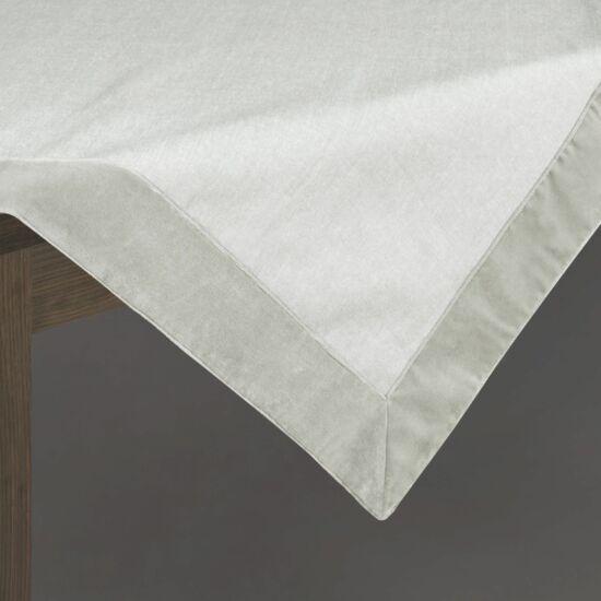 palmera-asztalterito-ezust-85-x-85-cm-asztalon