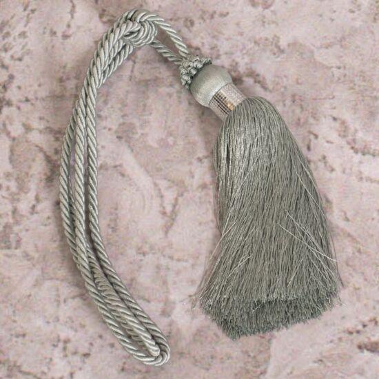 paloma-egy-bojtos-fuggonyelkoto-menta-58-cm