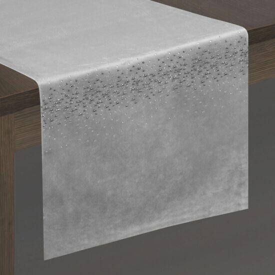 kasandra-barsony-asztali-futo-ezust-35-x-180-cm-asztalon