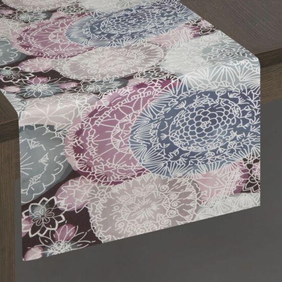 jess-barsony-asztali-futo-ezust-rozsaszin-35-x-180-cm-asztalon
