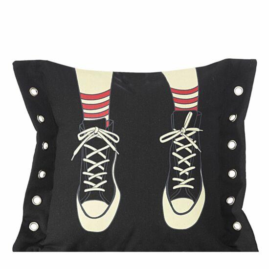 Boots-fekete-tornacipos-parnahuzat